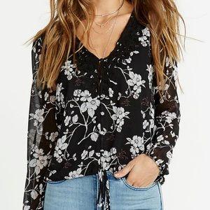 Buffalo David Bitton Sammie black floral blouse